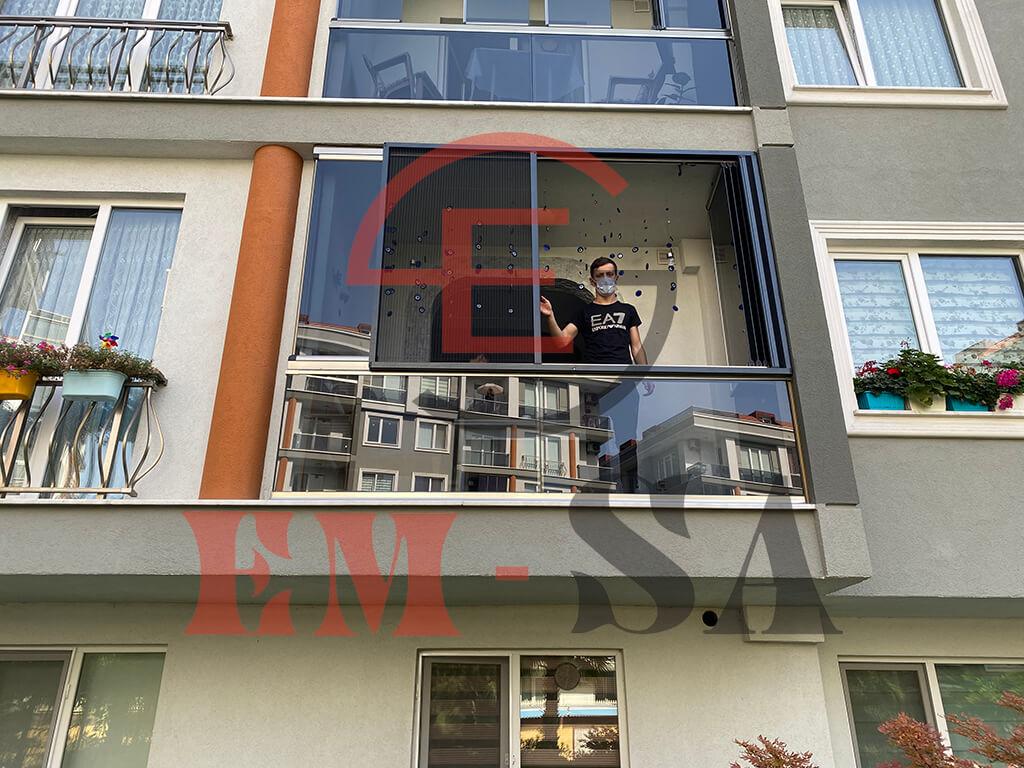 cam-balkon-sinekligi